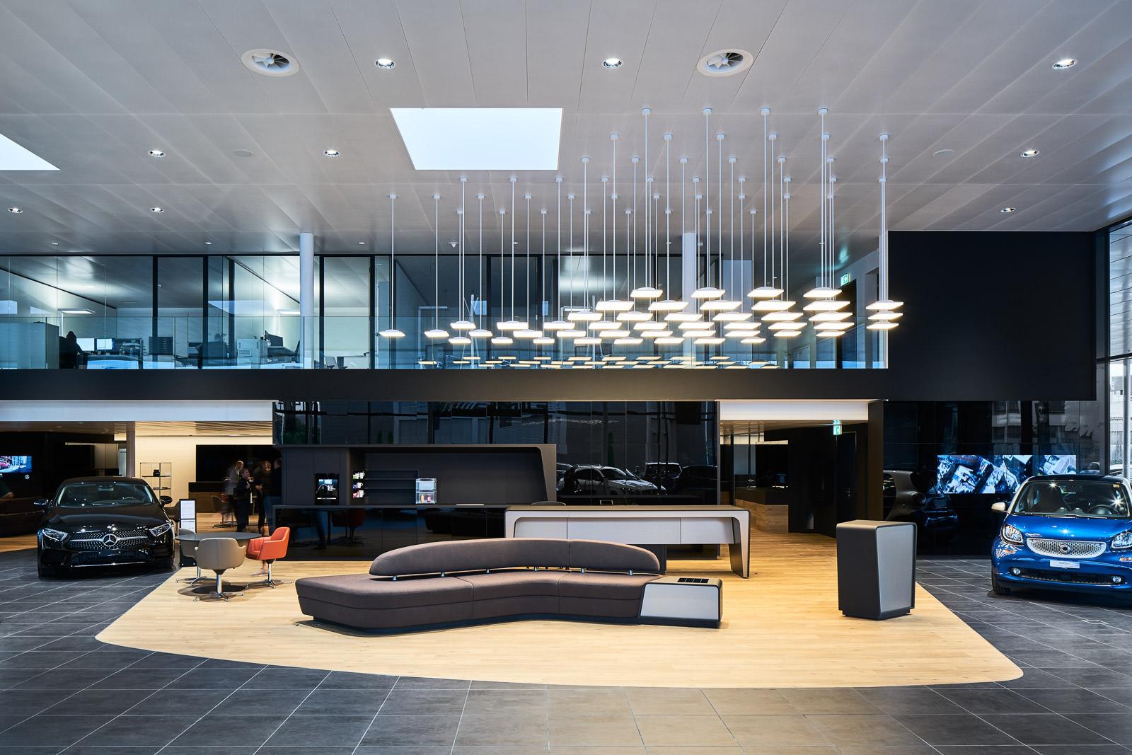Firmengebäude, Garage, Autohaus - Architektur Fotograf für Firmen