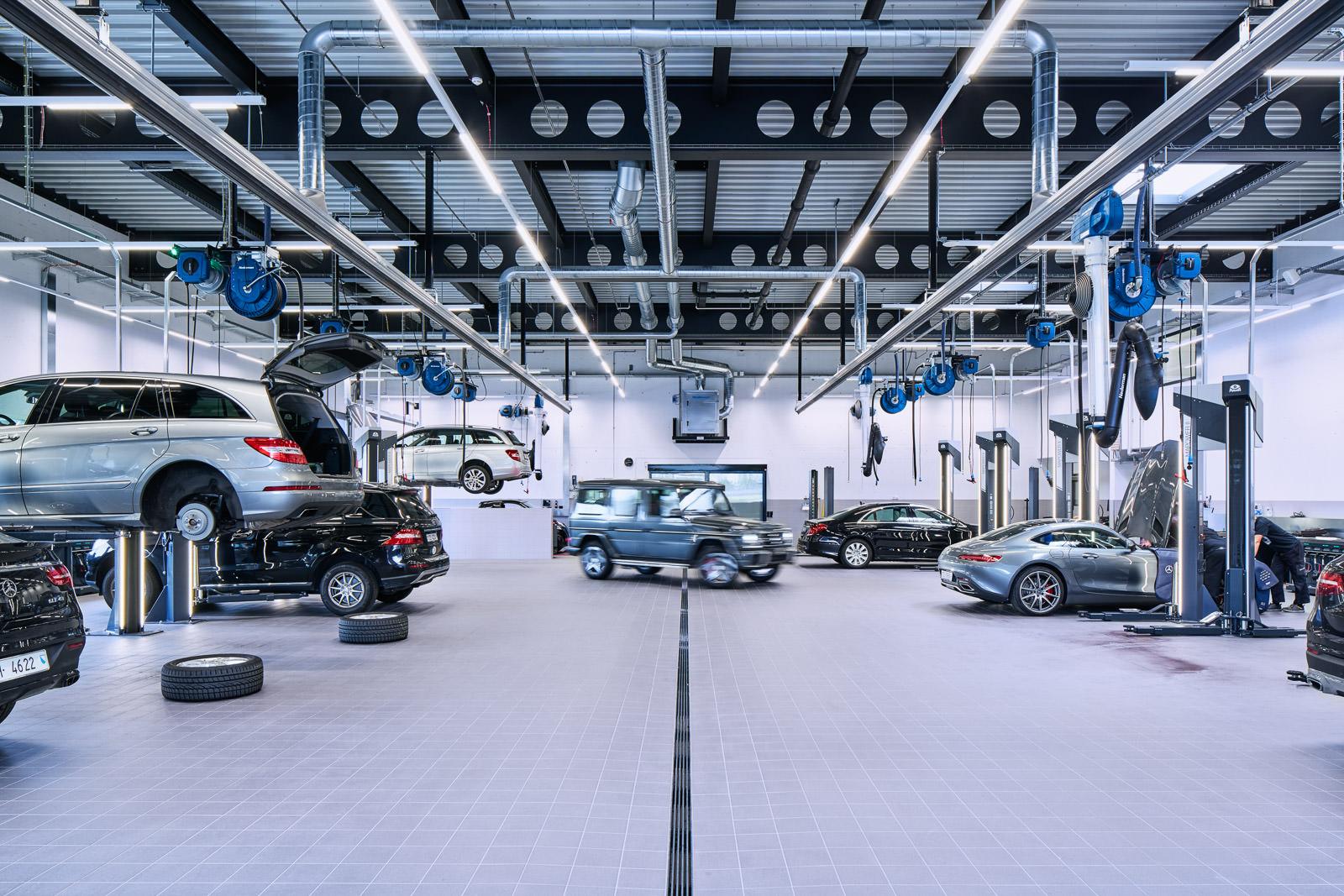Industrie- und Technologie-Fotografie - Garage, Werkstatt - Fotograf Zürich Zug Luzern